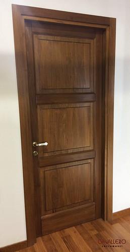 Porta interna in toulipier massello a 3 pannelli