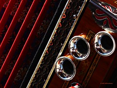 stripes in red (aNNa schramm) Tags: diatonischeharmonika akkordeon musikinstrument red rot