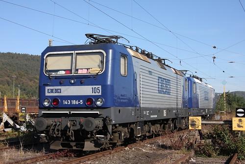 RBH 105 143 186-5 und 124 143 124-6 Trier-Ehrang Rbf