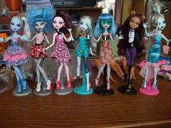 Monster High Surprise Lot (MyMonsterHighWorld) Tags: blue abbey monster dead skull dawn dance high wolf doll sweet gorgeous dot 1600 shores the lagoona of yelps ghoulia clawdeen draculaura bominable