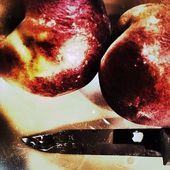 Fruit (Pfish44) Tags: apple pair grunge pare odc paringknife homophones inthereflection iphoneography snapseed uploaded:by=flickrmobile flickriosapp:filter=nofilter wishidhadsomepears thisisasgoodasicoulddowiththetimeihad