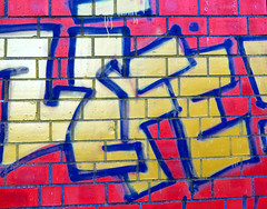 life in color (stadtbraut) Tags: life blue red color colour rot colors yellow canon graffiti colours kunst highlights gelb blau farbe highlight farbig bunt leben farben canonpowershot wandmalerei notperfect g16 schmierereien incolor schmiererei inlife lifeincolor infarbe rightinthemiddle wandschmierereien nichtperfekt canonpowershotg16 imleben
