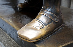 'Faust: Best Foot Forward' (popEstatesPhotography) Tags: bronze germany boot shoe gold shine saxony leipzig doctor german devil mephisto buckle goethe faust auerbach