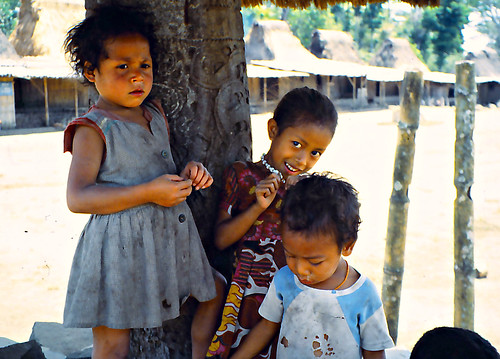 Children in Wogo village