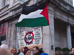 AA304453 'Day of Rage' protest against Prawer Plan (pete riches) Tags: israel palestine protest flags negev banners bedouins protesters slogans inf apartheid placards palestinians ethniccleansing kensingtonhighstreet nakba expulsion negevdesert naqab israeliembassy jewishnationalfund dayofrage prawerplan bedoons stopprawerplan