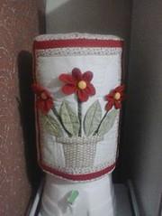 Capa de Bombona Flores. (Cleide Patch e Afins) Tags: flores folhas cozinha vaso fuxicos capadebombona