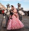 Masks in Venice - Maschere a Venezia (SissiPrincess) Tags: pink venice grey evening grigio colours rosa venezia colori soe sera carnivalmask venicecarnival thebestofday gününeniyisi mascheradicarnevale carnivaldress carnevaleveneziano mygearandme vestitodicarnevale mindigtopponalwaysontp