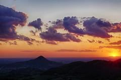 Tramonto dal Roverello (tampurio) Tags: sunset sky italy panorama sun sunlight tree clouds sunrise landscape italia tramonto nuvole sony hills tramonti alpha sole paesaggi paesaggio padova collieuganei colli slta58