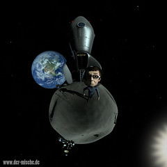 kleiner mond (DerMische) Tags: panorama moon mond 3d character planet blender polar 360 stereographic littleplanet polarpanorama ehcsimred dermische