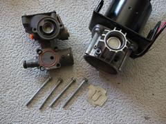Land Rover Discovery 3 - Kompressorwartung 127 - Zusammenbau (KlausNahr) Tags: landrover kompressor lr3 landroverdiscovery3 discovery3 lufttrockner