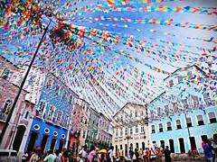 clima de festa Junina! :D (islacosta22) Tags: colors brasil bahia salvador festa junina pelourinho sojoo bandeirinhas