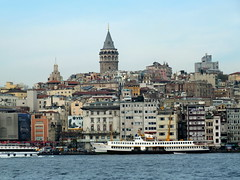 View across the Golden Horn from Eminn, Istanbul (twiga_swala) Tags: tower water skyline turkey golden torre istanbul inlet horn ferries istambul beyoglu oro estambul galata karakoy karaky pera beyolu eminn eminonu cuerno hali altn boynuz