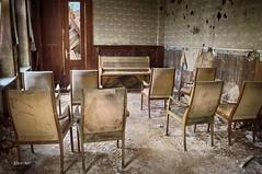 DSC_0253 (Enri-Art) Tags: lostplace vergänglich verlassen irgendwo abandoned verfall deutschland grandhotel schönheit verloren gebirge
