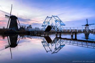 Molens Kinderdijk tijdens blauwe uurtje na zonsondergang | 160118-0381-POH