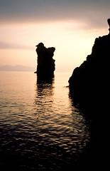 Panarea, zonsondergang aan de zuidkust, Liparische Eilanden, Italië 1989 (wally nelemans) Tags: panarea zonsondergang sunset rotseilandjes liparischeeilanden liparyislands isolelipari italië italy italia 1989