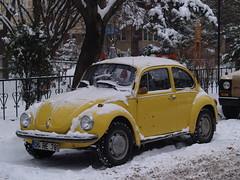 A Volkswagen Beetle, Eskişehir, Turkey (Steve Hobson) Tags: volkswagen car beetle eskişehir snow winter