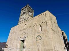 BARGA - VIVENDO A LUCCA - DUOMO DI SAN CRISTOFORO (86) (Viaggiando in Toscana) Tags: vivendoaluccait viaggiandointoscanait barga lucca duomo di san cristoforo