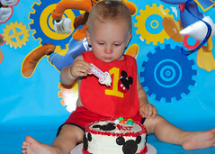 (Listeral Mac) Tags: cake smash first birthday one toddler baby child kid son boy brother disney blue mickey mess fun dessert frosting icing red delicious yum eat