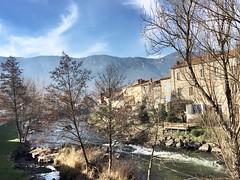 Cillian (freddylyon69) Tags: soleil fumée pyrénées découvert relax tourisme visite sudouest cillian town ville rivière river