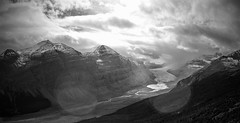 Saskatchewan Glacier - Panorama - Banff National Park, Alberta, CA (André-DD) Tags: cans2s canada kanada urlaub vacation alberta herbst fall autumn outdoor clouds mountain landscape hill mountainside banff national park parkway sonne sun panorama banffnationalpark bäume baum tree trees serene mountains berge berg wolken wolke cloud natur nature icefields icefieldsparkway snow schnee sky gletscher glacier saskatchewanglacier saskatchewangletscher columbiaicefield icefield eis ice parkerridgetrail trail parkerridge blackandwhite schwarzweiss schwarzweis monochrome