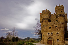 Castillo Las Cuevas (Arrano) Tags: serafínvillarán cebolleros burgos espainia spain espagne españa geotagged merindaddecuestaurria lasmerindades explore
