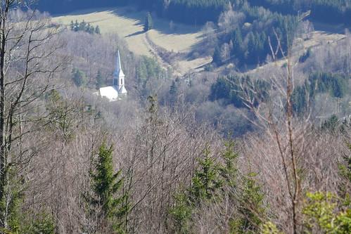 Kostel Neposkvrněné Panny Marie we wsi Travná z Ostrý vrch