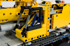 Lego Technic 42009 Mobile Crane (Oxycrest) Tags: mobile crane technic 42009