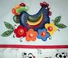 . (gigimichalsky1) Tags: galinha folk em pintura tecido