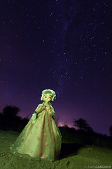 Mueca nocturna (Juan Gargiulo) Tags: night doll nightshot nocturna starry mueca nightshoty