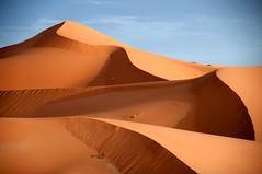 Dunas : sinuosas, sugerentes, cambiantes. (Victoria.....a secas.) Tags: desert dunes explore desierto marruecos dunas ergchebbi shara