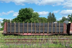 CP 405150 work service bulkhead flatcar with a load of new ties Woodstock, Ontario Canada 07202007 ©Ian A. McCord (ocrr4204) Tags: railroad ontario canada train wagon kodak rail railway pointandshoot canadianpacific mccord cp woodstock cpr cprail z740 freightcar ianmccord ianamccord