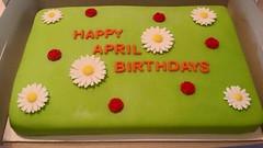 Daisy cake by Angelis, Johnson County, IA, www.birthdaycakes4free.com