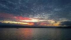 Anochece en el puerto de Rianxo (Sachada2010) Tags: sunset sol night de landscape puerto photography phone martin sony movil paisaje celular nocturna fotografia puesta javier z3 anochecer martín rianxo xperia sachada sachada2010