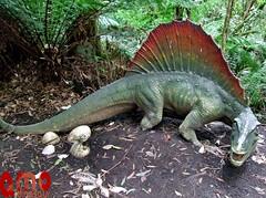 Dinosaur sculpture and statue dimetrodon (Amodinosaur Ltd.) Tags: dimetrodon dinosaurdinosaurs