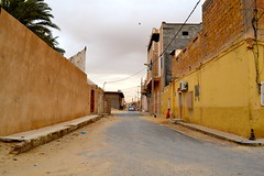 DSC_0615 (marwader) Tags: road street city architecture kids buildings landscape algeria sand cityscape child desert nowhere el algerie middle domes dz oued eloued