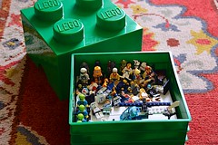 365 No315 2013-05-21 Lego Box (LynG67) Tags: green nikon lego box minifigs minifigures d5100