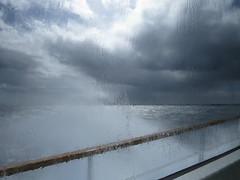 dcoller les pieds du sol, mieux que leurs parcs d'attraction :) (laetitiablabla) Tags: world ocean sea sky cloud mer france brittany glory wave bretagne breizh ciel le coastline nuage vague vues atlantique finistere ouessant traverse europeen littoral conquet iroise fromveur