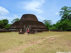 "Stupa en Polonnaruwa • <a style=""font-size:0.8em;"" href=""http://www.flickr.com/photos/92957341@N07/9166500690/"" target=""_blank"">View on Flickr</a>"
