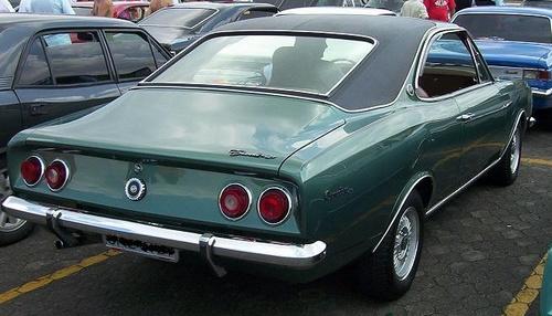Opala antigo verde