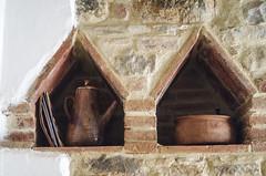 Italy, Kitchen in Old Farmhouse - Ceramics (Amsterdamming) Tags: farmhouse italu umbria