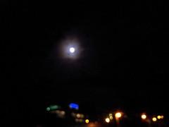 20131018 21:06:31 (MadPole) Tags: moon lune mond prague luna lua czechrepublic ay mes hold kuu måne kamer księżyc satélite maan ماه mês месяц maand ضوءالقمر mehtap луна cze miesiąc قمر satelit спутник φεγγάρι 달 mesec σελήνη mesiac månsken mēness měsíc lună месечина месец هِل lewone pavadonis 위성 hënë mēnesis луннасветлина лунныйсвет 월광 일개월 družica сателит mēnesnīca holdhónap лунныймесяц спътник 초승달모양의것 행성의위성