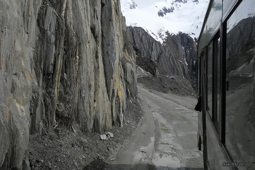Living on the edge - Zoji Pass