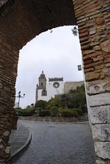 Vista de Iglesia de Santa María la Mayor la Coronada, desde el arco o puerta de Belén