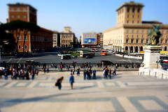 """piazza Venezia • <a style=""""font-size:0.8em;"""" href=""""http://www.flickr.com/photos/89679026@N00/13175422355/"""" target=""""_blank"""">View on Flickr</a>"""