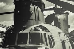 Boeing CH-47 Chinook - SIAE 2015 (Quentin Douchet) Tags: france airport îledefrance aviation military airshow boeing fr aeroport militaire lbg hélicoptère aéroport meetingaérien parisairshow aéronautique aeronautique salondubourget dugny siae lfpb ch47chinook parislebourget pas15 siae2015