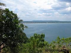 Swami Rock Lookout, Trincomalee (Travolution360) Tags: sri lanka trincomalee swami rock lookout temple hinduism ramayana rawana demon cost bay beach