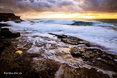 Golden (jongsoolee5610) Tags: seascape golden sydney australia maroubra sydneyseascape sea wave sunrise sydneysunrise soe ngc