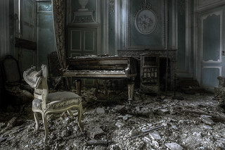 Tunes of decay..