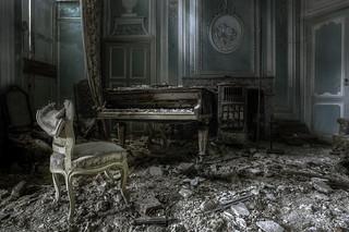 Tunes of decay.. [Explored]