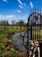 Keep Out! (bart7jw) Tags: charlecotepark national trust spikes iron fence sigma 18250 canon 700d t5i